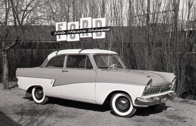 Ford Taurus 1959 från Gösta Jönssons bilaffär i Strängnäs. Foto: Studio Roland, Arkiv Sörmland